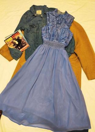 Chi chi london платье голубое миди шифоновое с кружевом классическое