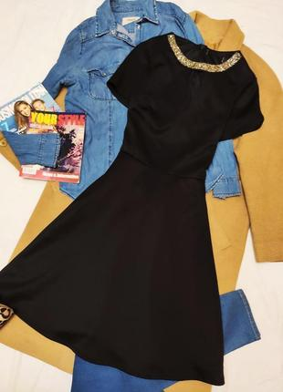 Дороти перкинс платье черное миди с камнями на воротнике классическое
