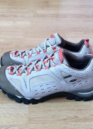 Замшевые трекинговые кроссовки aku 38 размера с мембраной gore-tex в идеальном состоянии
