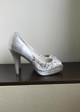Красивейшие свадебные туфли