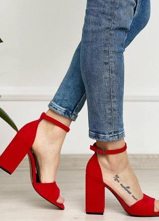 Босоножки туфли красные чёрные