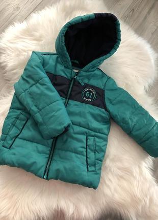 Куртка курточка тёплая на мальчика с капюшоном зеленея