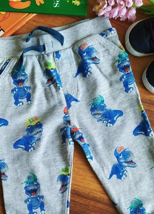 Классные штанишки,брючки на малыша m&co на 6-9 месяцев