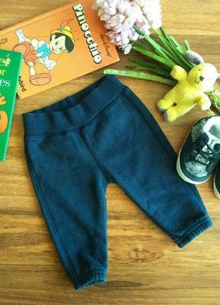 Классные трикотажные штанишки,брюки для малыша benetton baby на 1-3 месяца.