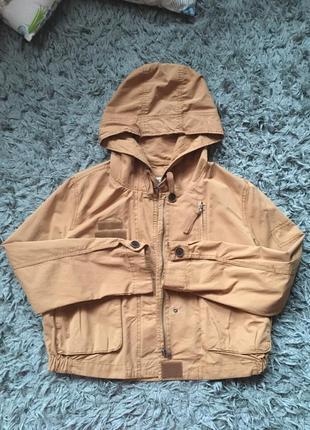 Коротка куртка вітровка bershka 30p l, курточка ветровка укороченная
