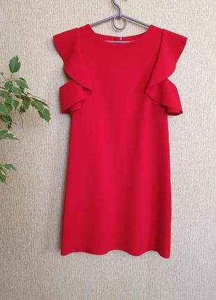 Красивое , яркое красное платье la fama