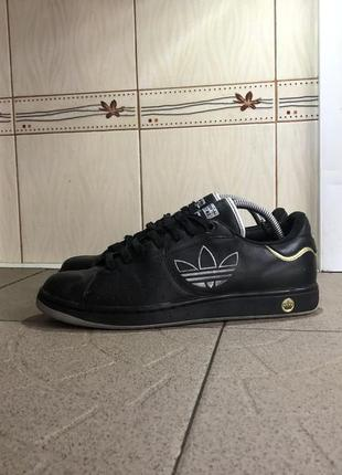 Шкряні кросівки adidas respect m.e.