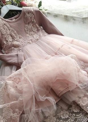 Кружевное платье, нарядное платье, пышное платье