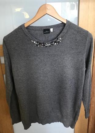 Серый свитер, серый пуловер, серый свитер с камнями, украшения