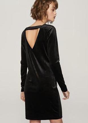 Классическое бархатное платье