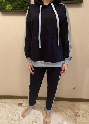 Спортивный костюм на флисе, худи и джогеры, утеплённый спортивный костюм