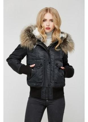 Чорна матова стьогана куртка з капюшоном tally weijl