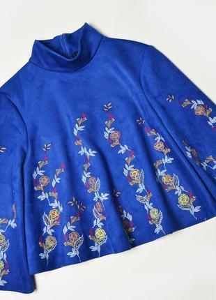 Кофта zara из искусственной замши с вышивкой синяя