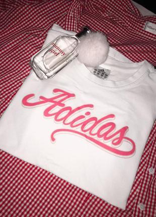 Миленькая футболочка от adidas