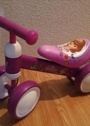 Автотранспорт, беговел, велобег, толкатор для девочки на 1 год - 2 года