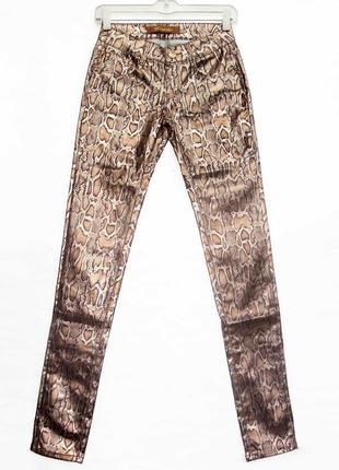 Новинка. классные брюки джинсы, змеиный принт. новые, все р-ры 25-302 фото