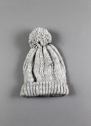 Тепла жіноча шапка бренду c&a