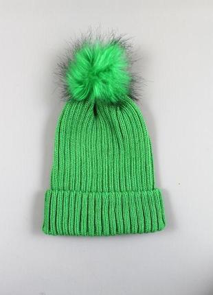 Стильна жіноча шапка бренду clockhouse & c&a