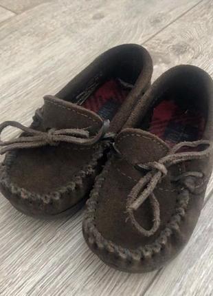 Продам кожаные детские туфли