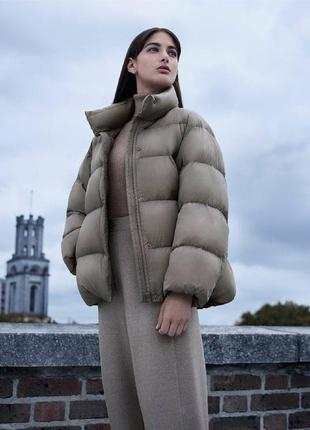 Супер легкая теплая куртка uniqlo, в наличии размер  s