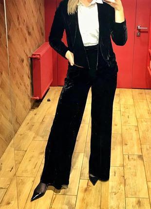 Шикарный бархатный велюровый костюм брючный высокие широкие брюки и пиджак
