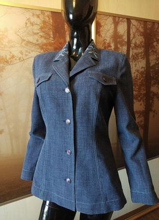 Брендовый льняной пиджак-жакет с вышивкой