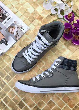 Фирменные кроссовки sc&co с кожаным верхом и стегаными вставками  sh2936