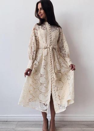 Шикарное платье из кружева