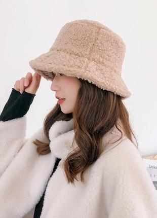 Женская меховая зимняя шапка панама теплая плюшевая (тедди,барашек,каракуль)бежевая