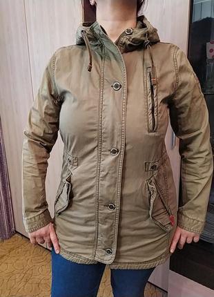 Легкая ветровка - курточка оригинал.