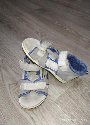 Фирменные сандали на сынишку!!!