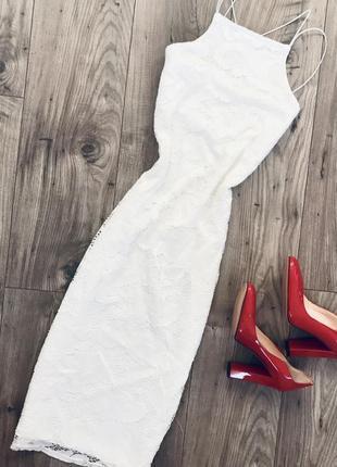Изумительное кружевное платье миди