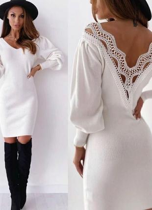 Платье с круживом