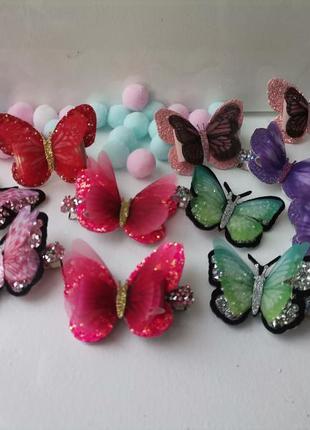 Большой выбор шифоновые бабочек на заколках и резинках