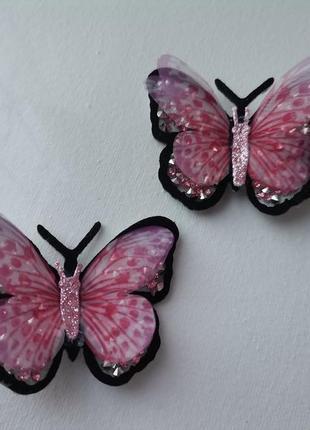 Заколки с розовыми шифоновыми бабочками