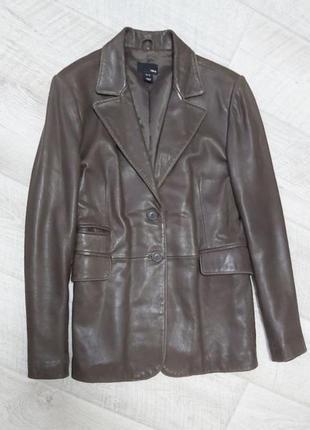 Трендовый кожаный пиджак жакет коричневого цвета