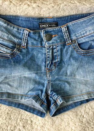 Короткие джинсовые шорты only