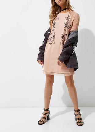 River island платье розовое бежевое с вышивкой цветы сеточка чехол прямое оверсайз