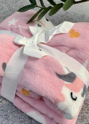 Мягкий плюшевый плед детский для девочки, розовый с единорогами