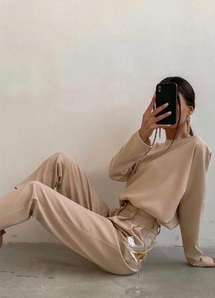 Шикарный брючный костюм со свободной кофтой на резинке3 фото
