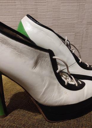 Оригинальные кожаные туфли на высоком каблуке, шнуровка