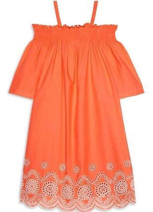Новое хлопковое платье с вышивкой открытые плечики размера s