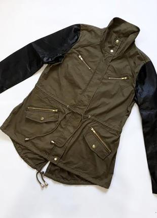 Демисезонная  куртка ветровка рукава из кожзама  miss selfridge