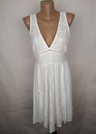 Платье белое шикарное кружевное forever 21 m
