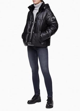 Модная куртка- пуховик из кожи от  calvin klein! настоящая!