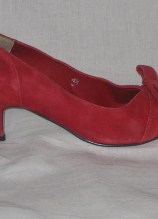 Туфли натуральная замша 37,5  размер marks & spencer