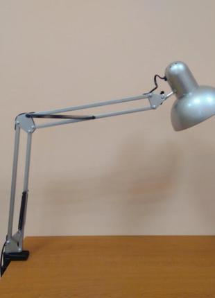 Настольная лампа трансформер на струбцине