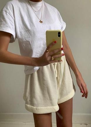 Белая базовая футболка oversize2 фото