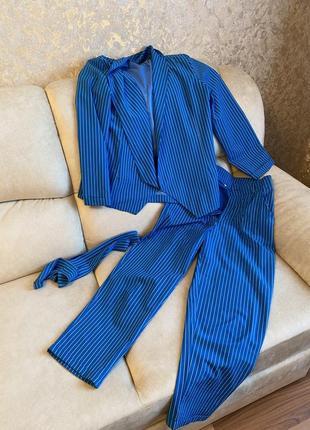 Идеальный костюм в полоску