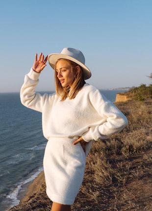 Теплый костюм с юбкой / плюшевый костюм / костюм с юбкой / теплая юбка